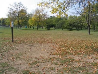 Madison Meadow Park, Main course, Hole 15 Tee pad