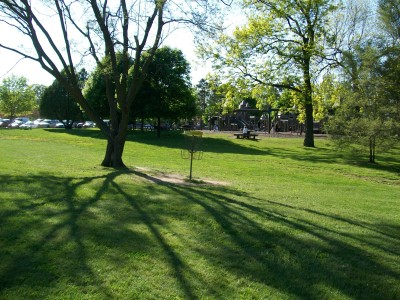 Bay Court Park, Main course, Hole 9 Putt