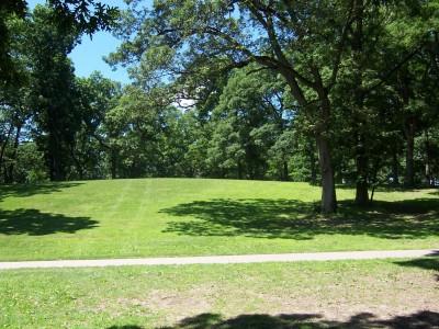 Sinnissippi Park, Main course, Hole 4 Tee pad
