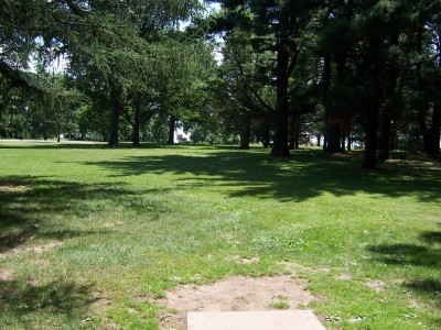 Sinnissippi Park, Main course, Hole 17 Tee pad