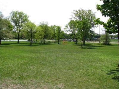 Lamar Park, Main course, Hole 2 Tee pad