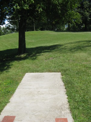 Lake Shore Park, Main course, Hole 17 Short tee pad