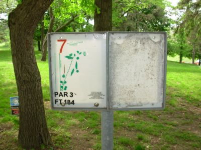 Lake Shore Park, Main course, Hole 7 Hole sign