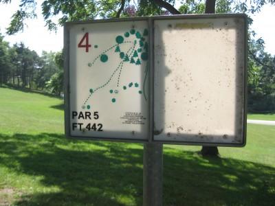 Lake Shore Park, Main course, Hole 4 Hole sign