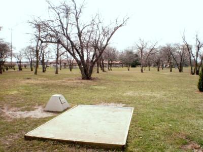 Carter Park, Main course, Hole 9 Tee pad