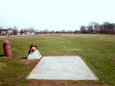 Carter Park, Main course, Hole 1 Tee pad