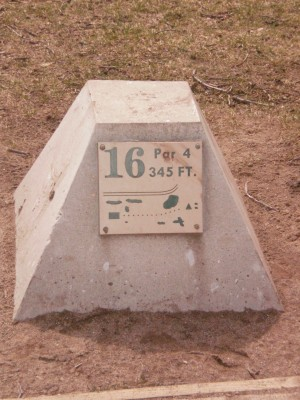 Carter Park, Main course, Hole 16 Hole sign