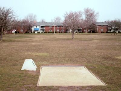 Carter Park, Main course, Hole 4 Tee pad