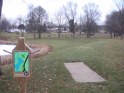 Arboretum-Spiker Park, Main course, Hole 21 Short tee pad