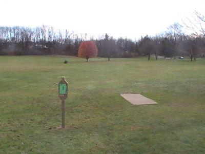 Arboretum-Spiker Park, Main course, Hole 8 Tee pad