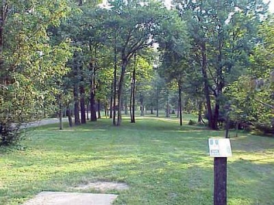 Mt. Airy Forest, Main course, Hole 1 Tee pad