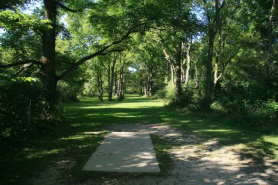 Rolling Hills County Park, Main course, Hole 1 Short tee pad