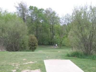 Rolling Hills County Park, Main course, Hole 6 Short tee pad