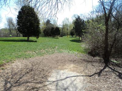 Woodland Mound Park, Main course, Hole 3 Tee pad