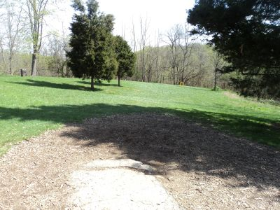Woodland Mound Park, Main course, Hole 6 Tee pad