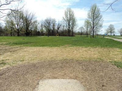 Woodland Mound Park, Main course, Hole 18 Tee pad