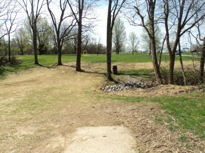 Woodland Mound Park, Main course, Hole 17 Tee pad