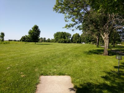 Arthur O. Fisher Park, Main course, Hole 10 Tee pad