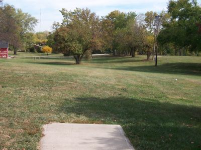 Arthur O. Fisher Park, Main course, Hole 1 Tee pad