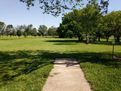 Arthur O. Fisher Park, Main course, Hole 9 Tee pad