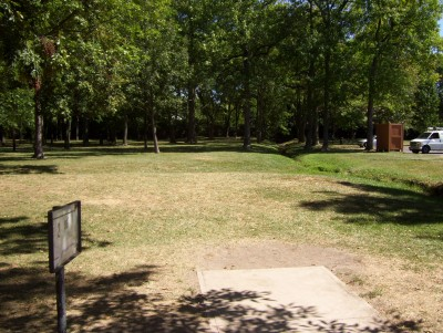 Indian Riffle Park, Kettering, Main course, Hole 2 Tee pad