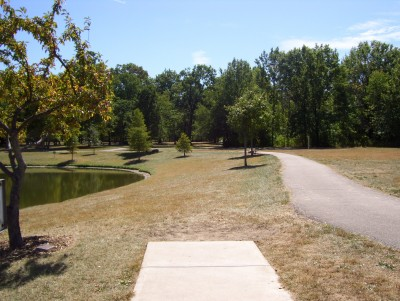 Indian Riffle Park, Kettering, Main course, Hole 18 Tee pad
