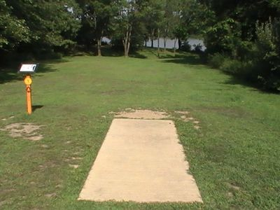 Gordon Holton Memorial, Main course, Hole 1 Short tee pad