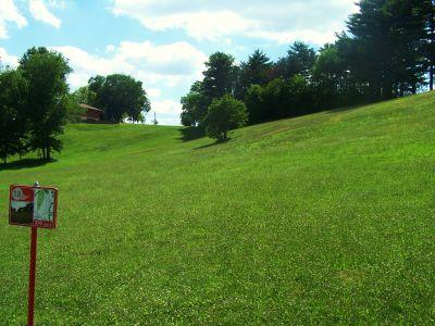 Deis Hill Park, Main course, Hole 18 Short tee pad