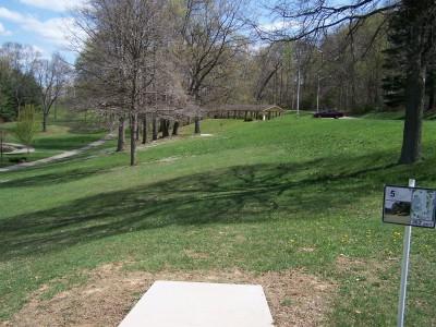 Deis Hill Park, Main course, Hole 5 Middle tee pad