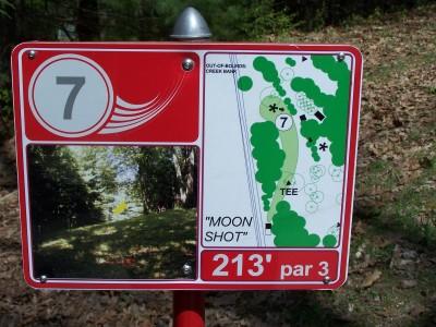 Deis Hill Park, Main course, Hole 7 Hole sign