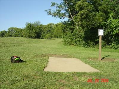 William Harbin Park, Main course, Hole 6 Tee pad