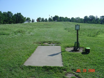 William Harbin Park, Main course, Hole 4 Tee pad