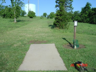 William Harbin Park, Main course, Hole 2 Tee pad