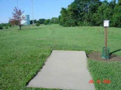 William Harbin Park, Main course, Hole 5 Tee pad