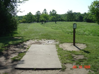 William Harbin Park, Main course, Hole 9 Tee pad