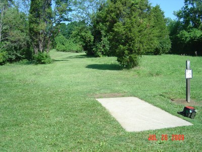 William Harbin Park, Main course, Hole 17 Tee pad