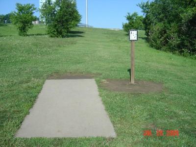William Harbin Park, Main course, Hole 3 Tee pad