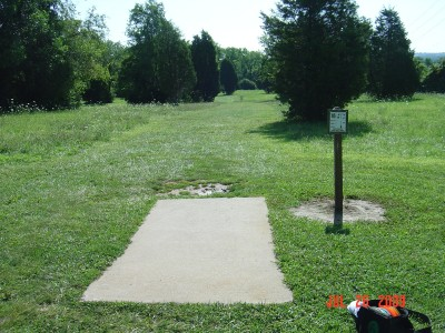 William Harbin Park, Main course, Hole 16 Tee pad