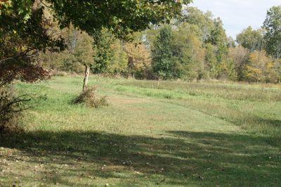 Riverbend Disc Golf Trail, Main course, Hole 17 Short tee pad