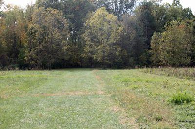 Riverbend Disc Golf Trail, Main course, Hole 18 Short tee pad
