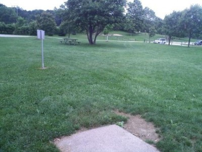 Hudson Springs Park, Main course, Hole 9 Tee pad