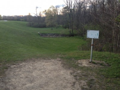 Hudson Springs Park, Main course, Hole 17 Tee pad