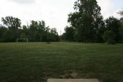 Marysville DGC, Main course, Hole 2 Tee pad