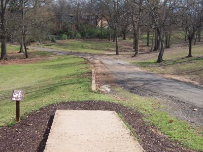 George Ward Park, Main course, Hole 6 Tee pad
