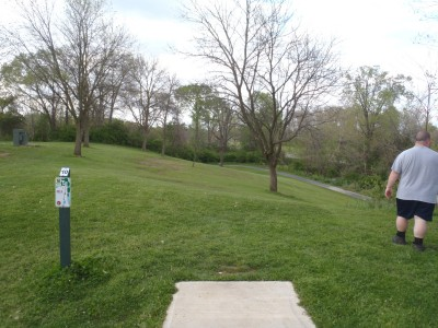 Hedges Boyer Park, Main course, Hole 10 Tee pad