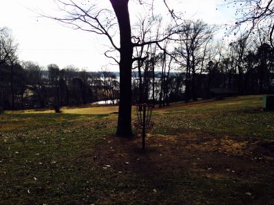 Veterans Memorial Park, Main course, Hole 1 Putt