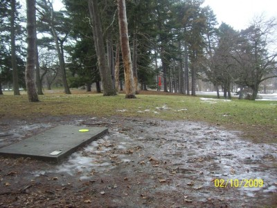 Ottawa Park, Main course, Hole 17 Short tee pad