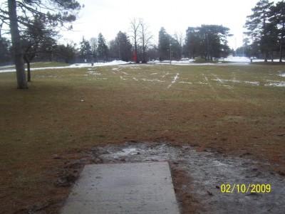 Ottawa Park, Main course, Hole 19 Short tee pad