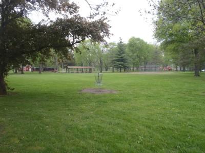 Community Park, Main course, Hole 2 Putt