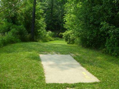 Clarence Darrow Park (Young's Run), Main course, Hole 5 Long tee pad